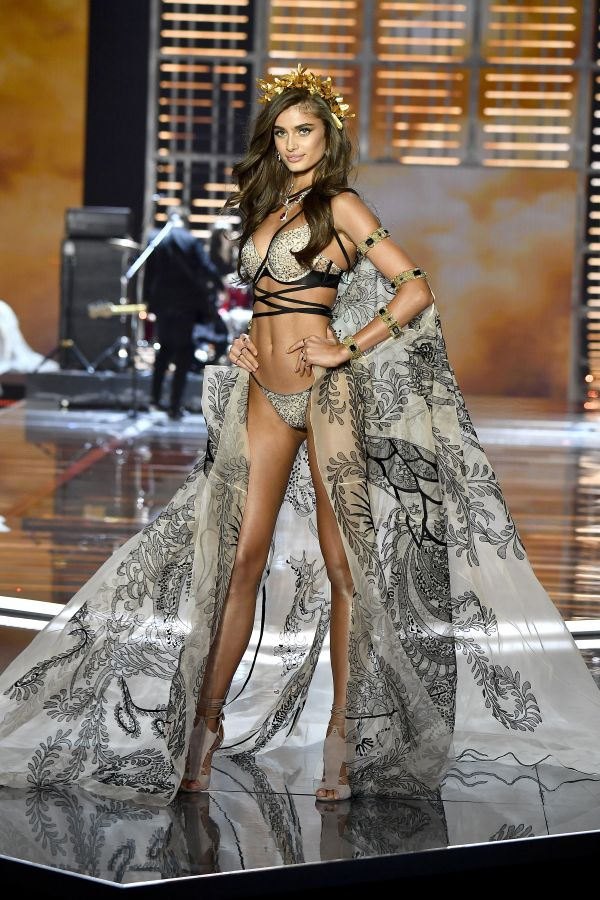<p>Taylor Hill</p>