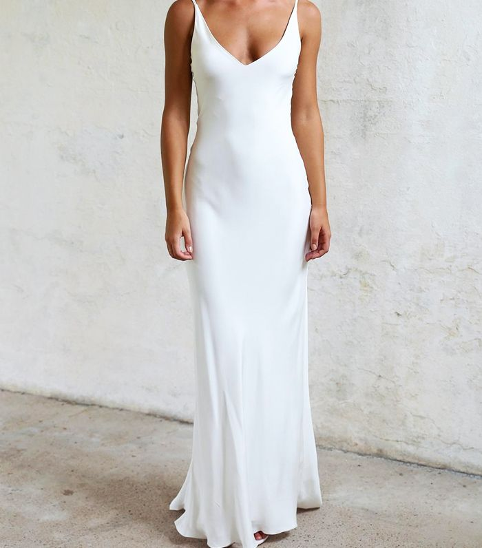 Simple Wedding Dresses: Why Everyone Should Wear One