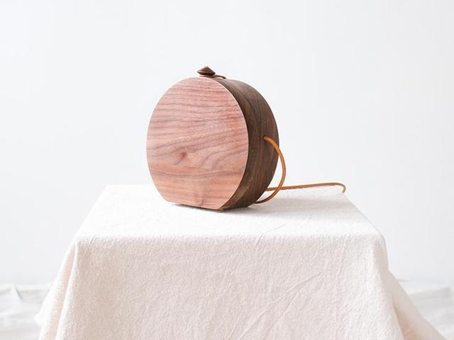Grav Grav Circle Walnut Wood Shoulder Bag