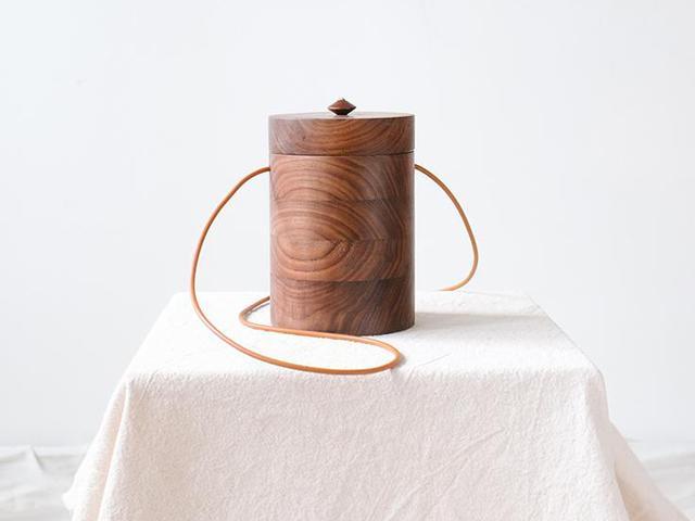 Grav Grav Cylinder Walnut Wood Bag