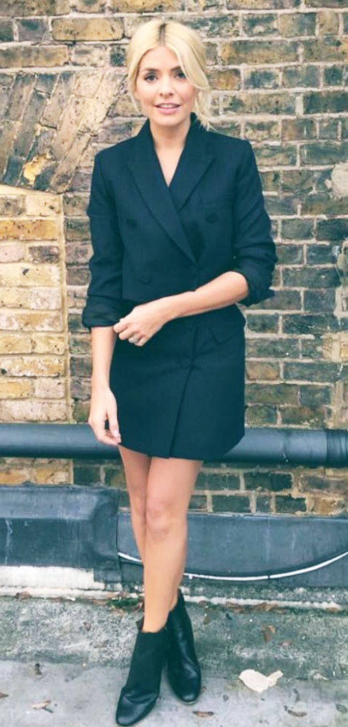 Holly Willoughby Just Wore An Amazing Zara Tuxedo Dress Who What Wear