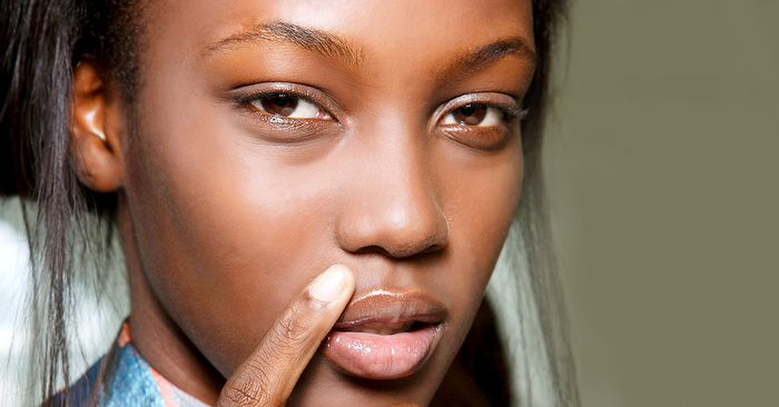 how to avoid blackheads on your nose