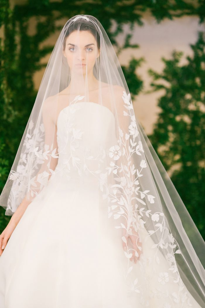 39 Stunning Wedding Veil & Headpiece Ideas For Your 2016 ... |Beautiful Wedding Gowns With Veils