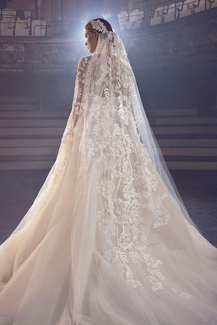 The Wedding Veil Styles That\'ll Be Trending in 2018 | Who What Wear