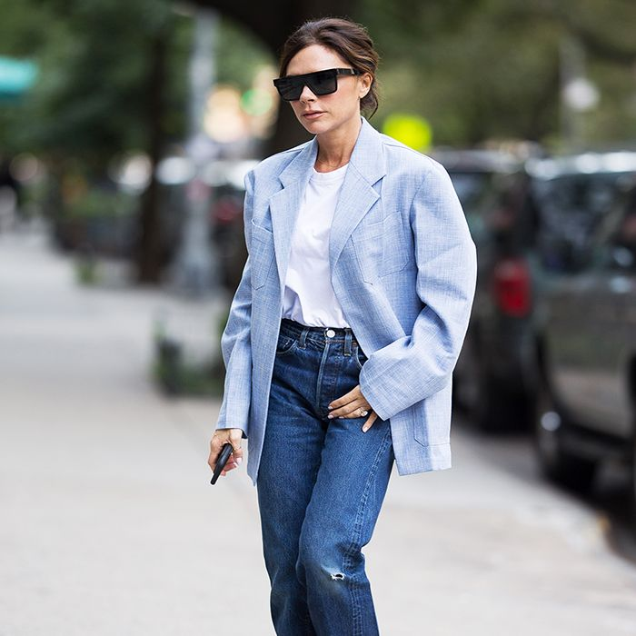 44e4f37f3b1426 The Best Shoes to Wear With Mom Jeans