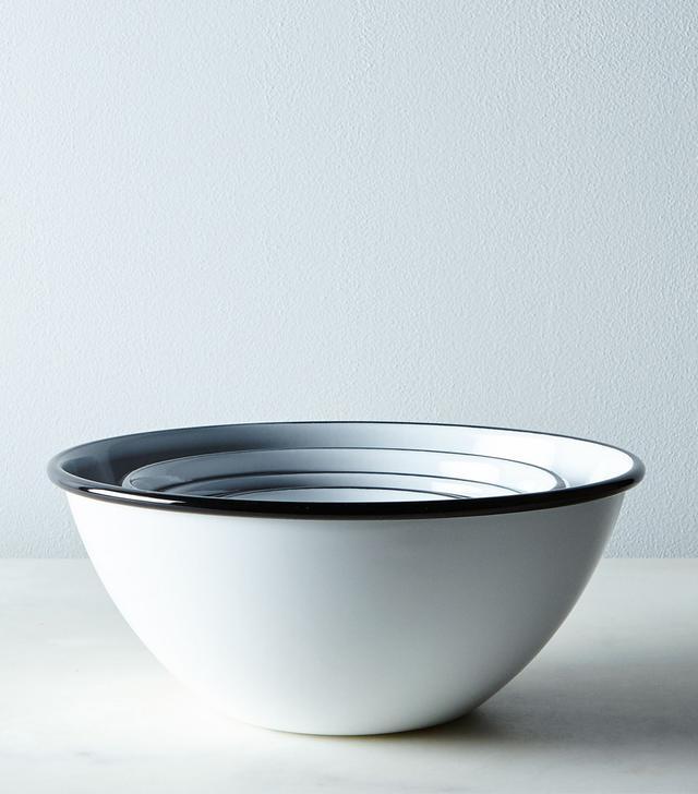 Barn Light Electric Porcelain Enamelware Nesting Bowls
