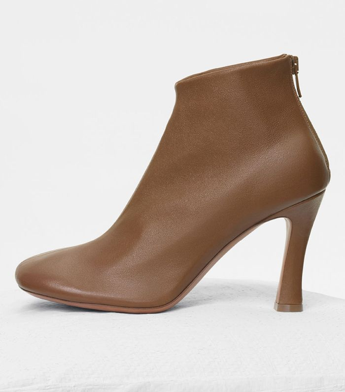 ac8ec051f1d Shoe Trends 2018  The Spring Footwear Everyone Will Wear