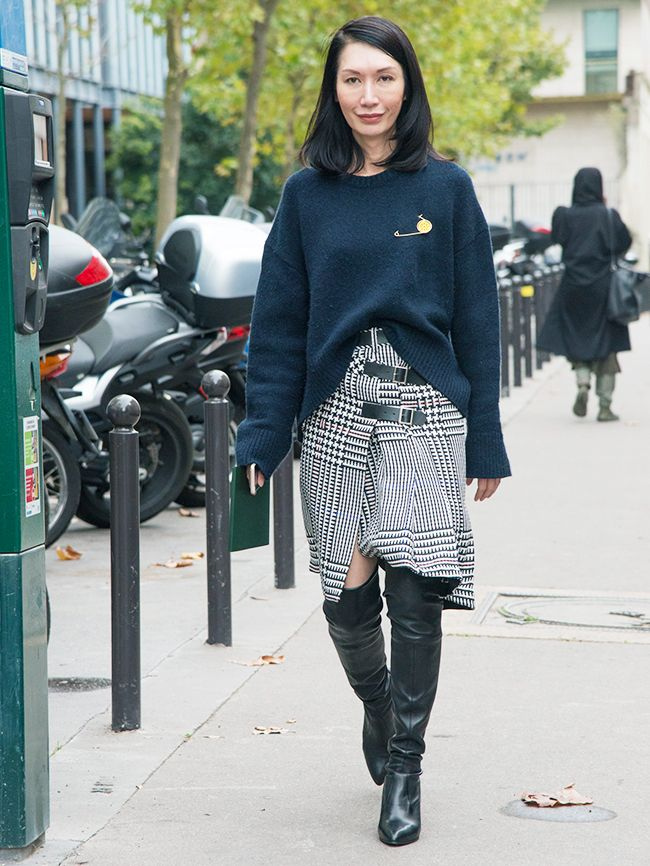 How to Wear a Brooch Like a Fashion Editor   Who What Wear