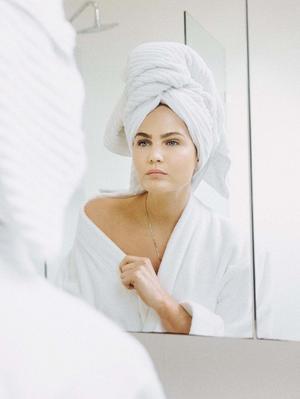 Swiss Women Always Do This in Winter, Says an A-List Skin Expert