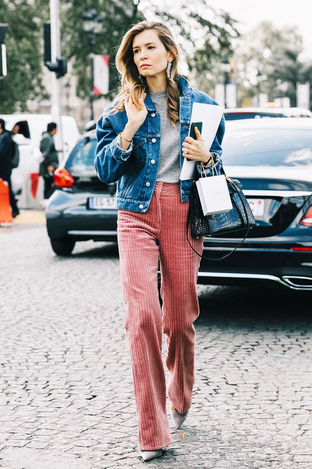 <p>Some eye-catching pants in a fun hue look great with a plain T-shirt and denim jacket. Add some statement earrings for a pretty final touch.</p>