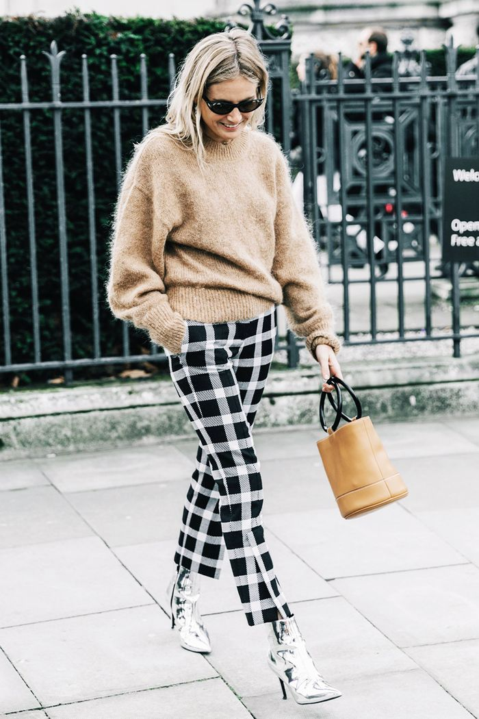 13 Cool Ways To Wear Cropped Pants With Booties Who What