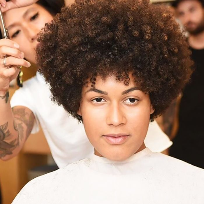 Meet The Mona Cut Nycs Expert Hairstylist For Curly Hair Byrdie