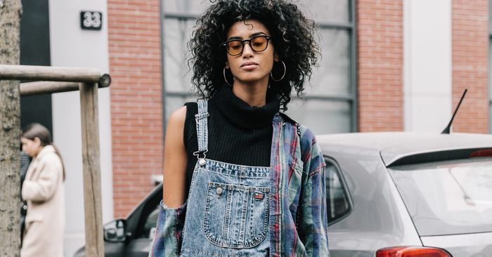 2231613e5bd3 15 Overall Outfits to Try in 2018