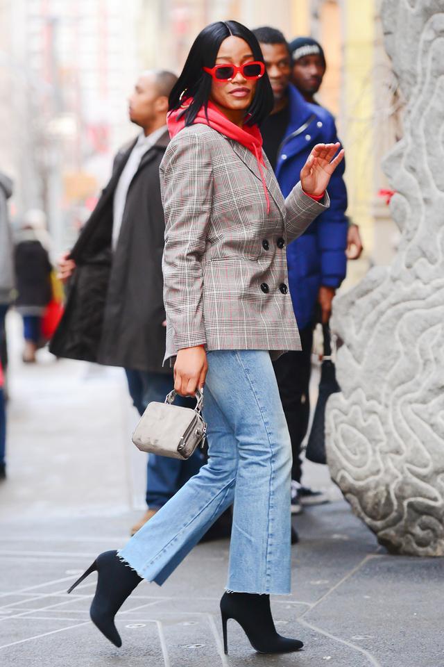 Keke Palmer boyfriend jeans red sunglasses street style