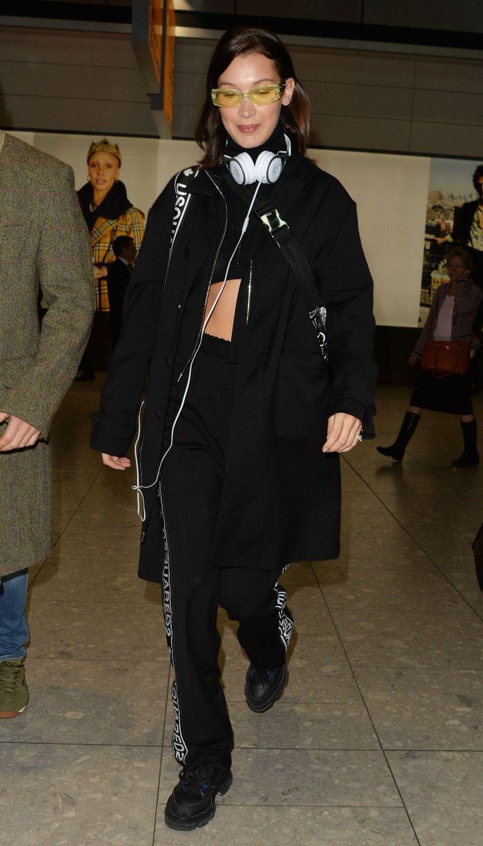 682cafa1063 Bella Hadid Just Mastered the Comfy Airplane Outfit