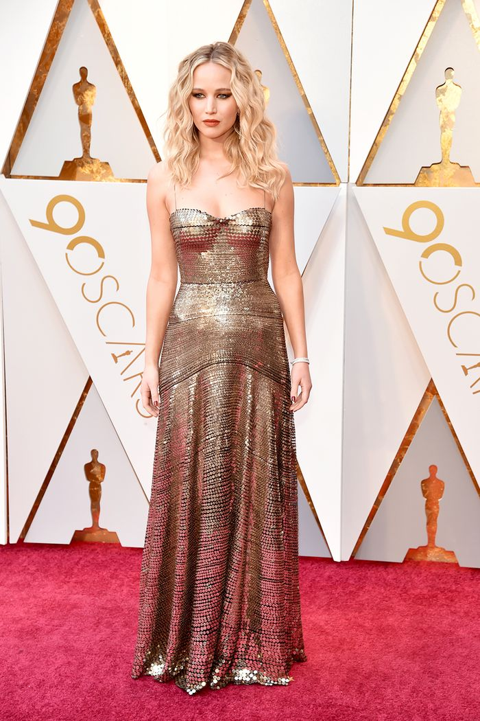 All The Best 2018 Oscars Red Carpet Looks Who What Wear