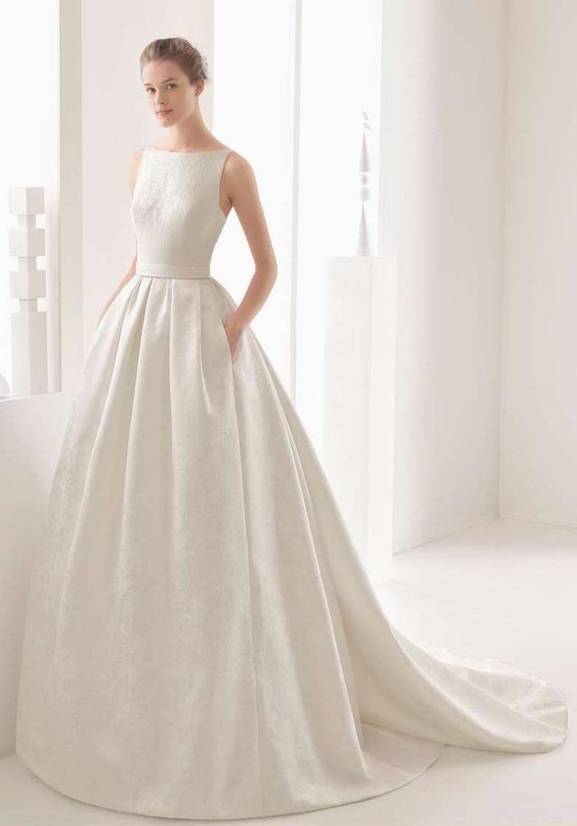Women's Rosa Clara Couture Nazar Floral Brocade Sleeveless Gown