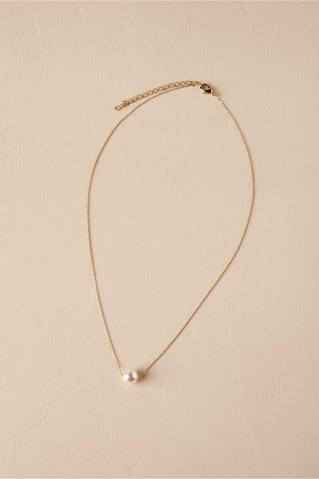 Serra Pearl Necklace