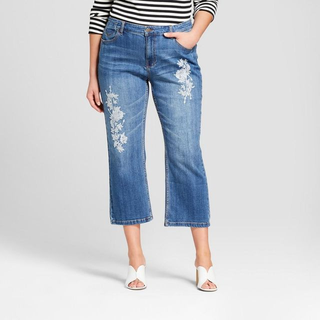 Plus Size Embroidered Crop Jeans