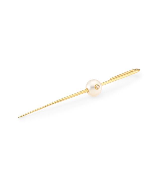 Floating Pearl Ear Pin