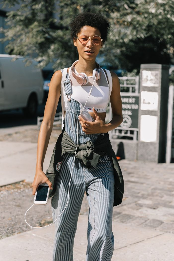 3c6f6382dfdb How to Wear Overalls in 8 Outfits