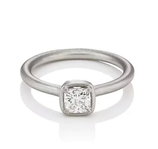 Tate Union White-Diamond Solitaire Ringgt