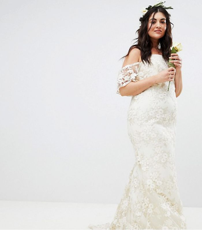 9eaa2e0c041 Best Plus-Size Wedding Dresses  11 Frocks You ll Love
