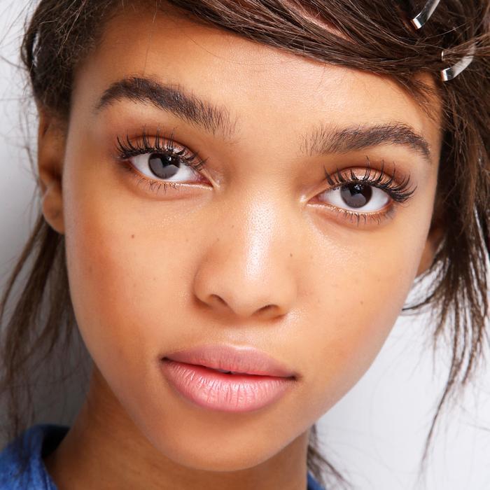 Do Eyelash Extensions Damage Your Eyelashes Experts Answer Byrdie