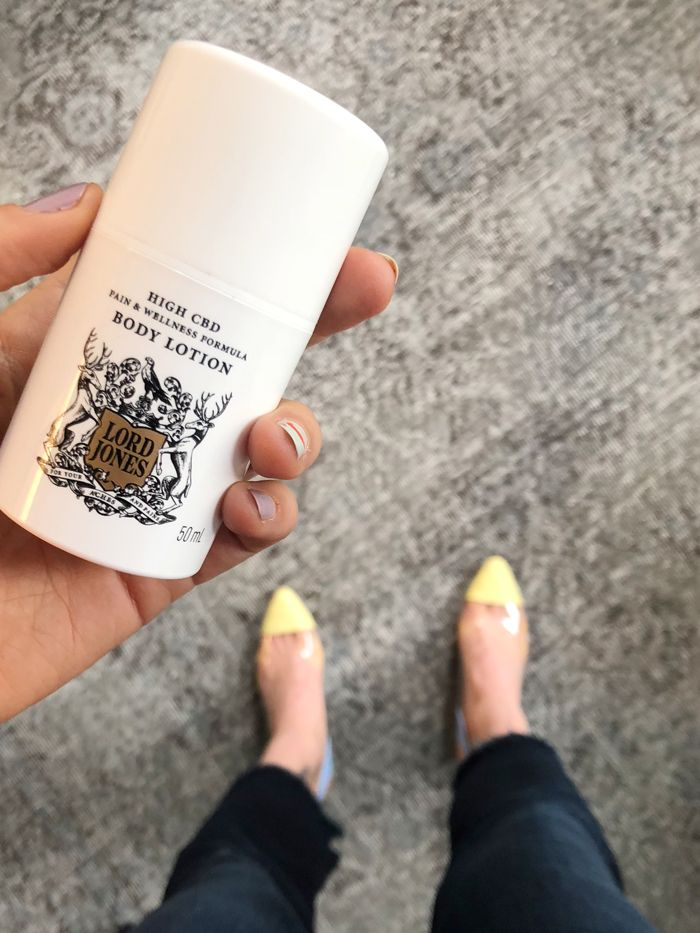 I Tried the CBD Lotion Celebs Use for Heel Pain | Who What Wear