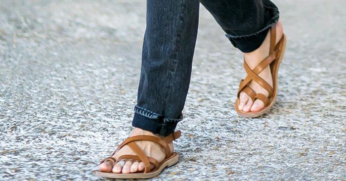 Next Wear SandalsThe Ring Ugly Toe Shoe TrendWho What kZiOPuXT