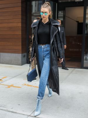 7 Cool Ways to Pull Off a Cropped Sweatshirt