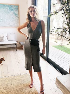 The $118 Dress Rosie Huntington-Whiteley Wears for All-Day Meetings