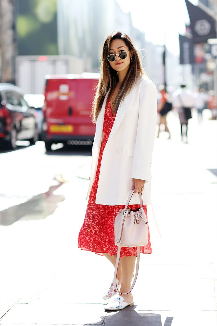 906350a3034 What London Girls Are Wearing Now