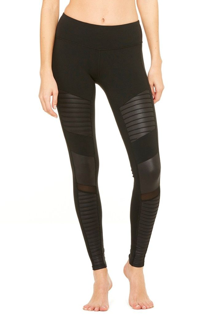 The 9 Best Yoga Pant Brands  21466a320