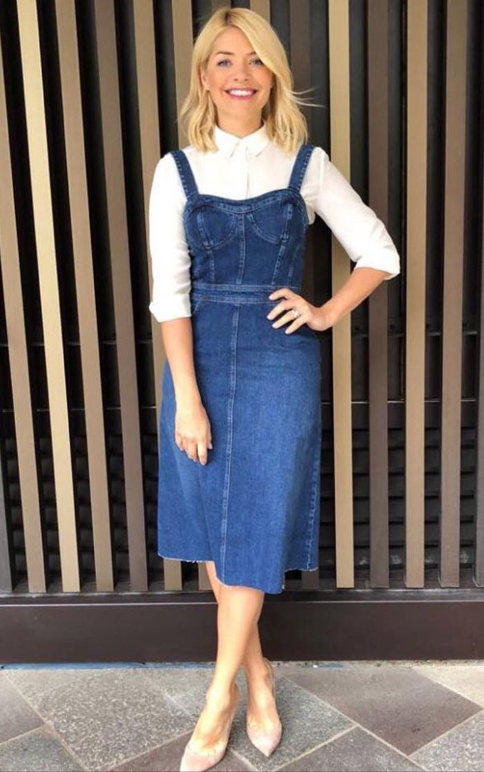 bc1470f7a6c Holly Willoughby Just Wore the Perfect Warehouse Denim Dress