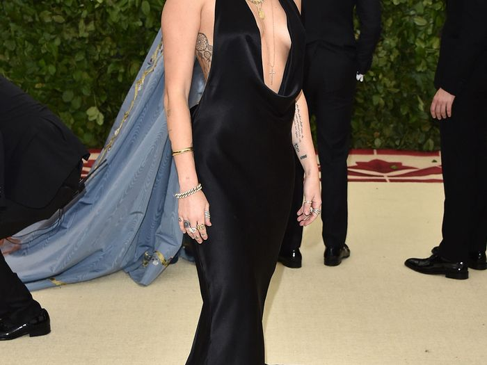 0d89747eb784 Celebrity Style and Fashion Trend Coverage | Who What Wear