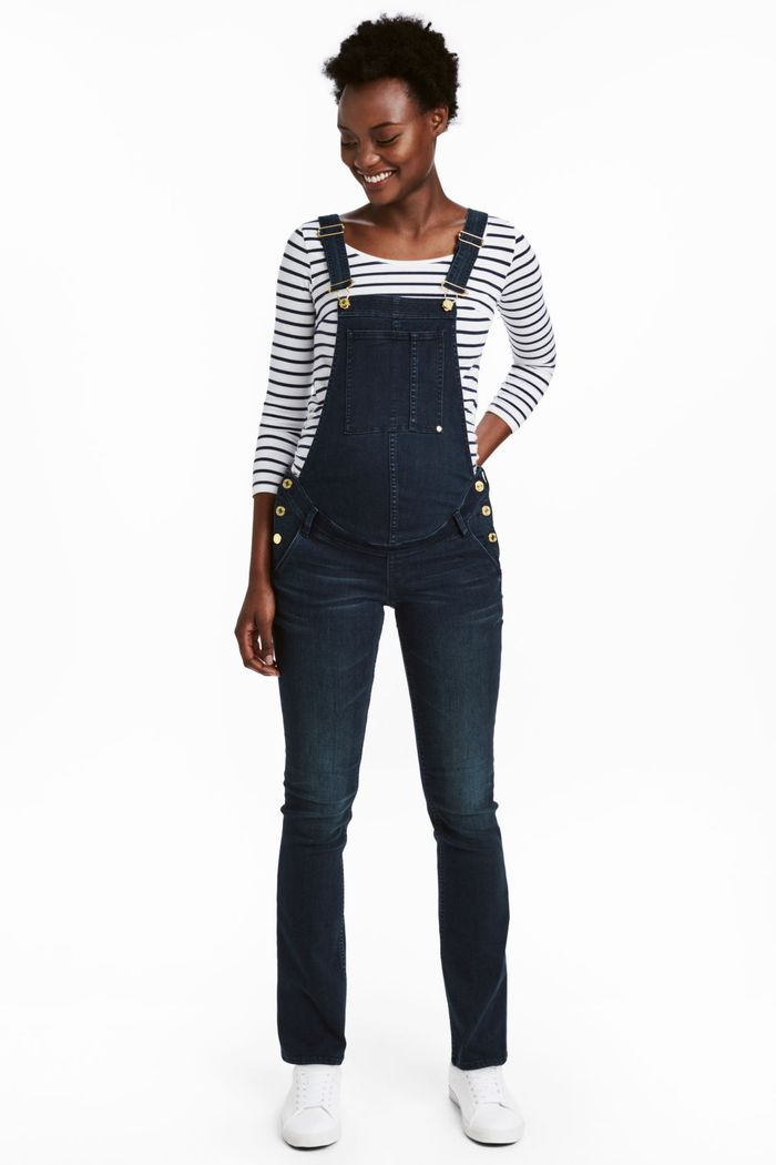 fb9ea3c52d2 These Maternity Overalls Are Perfect for Expectant Mothers