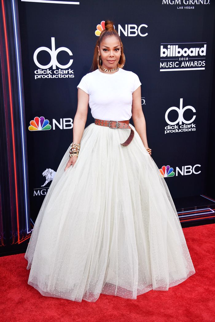 bdeaaf57f5 Janet Jackson Wore a White Tee on the BBMA Red Carpet | Who What Wear