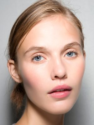 This Is How a Beauty Editor Does In-Flight Skincare