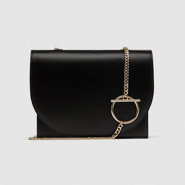 first-date outfit: black chain bag