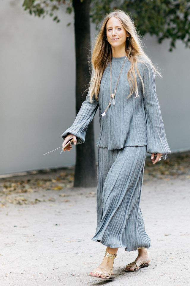 all-gray outfits for summer