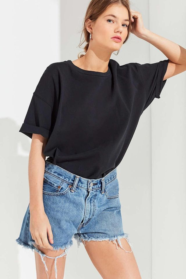 Urban Renewal Remade Low-Rise Slouchy Levi's Short