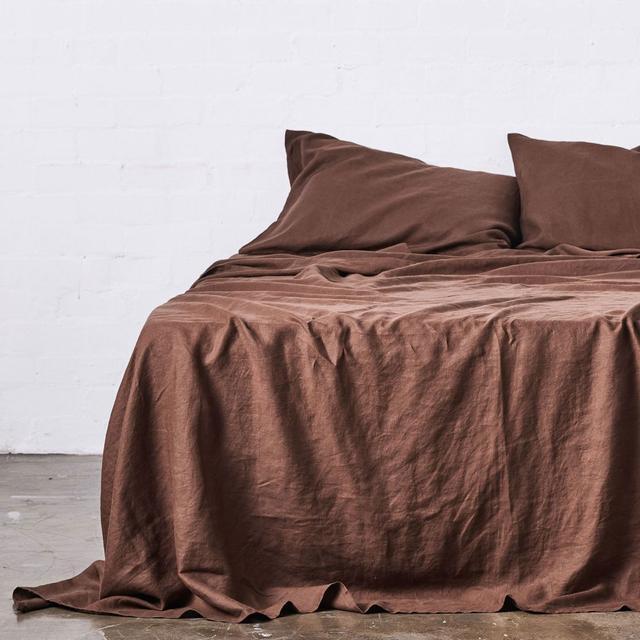 IN BED Queen 100% Linen Flat Sheet in Cocoa