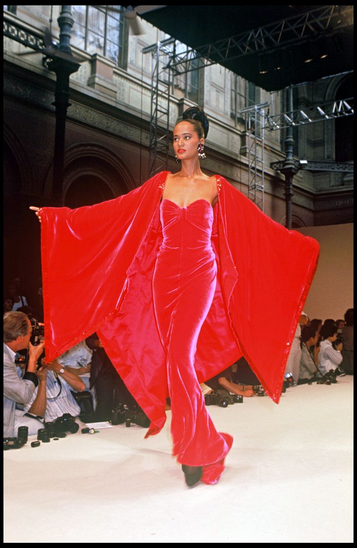 fdf0ce810e5 What the Haute Couture Runways of the  90s Looked Like