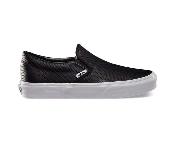 71f1d7876194 Here s How to Wear Vans Like the Fashion Crowd