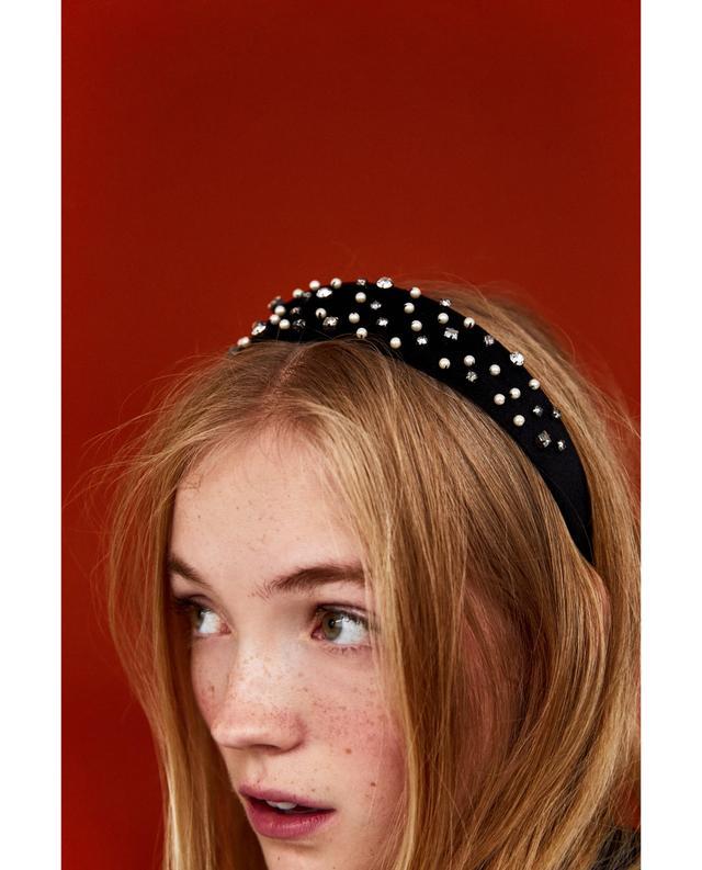 Zara Velvet Hairband With Pearl Buds