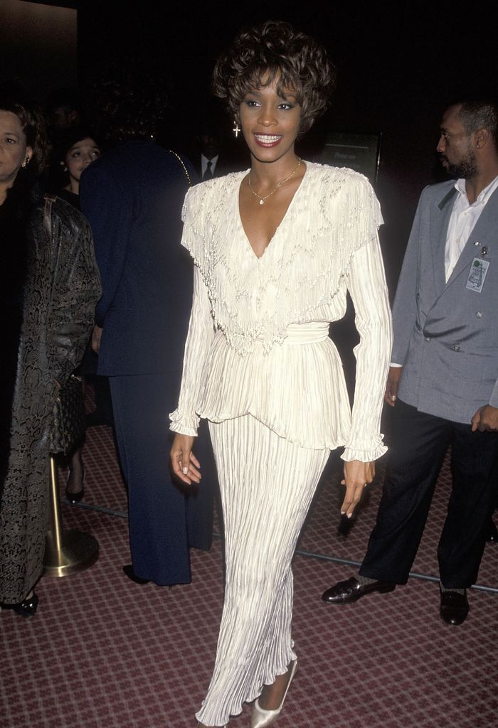 Whitney Houston S 90 S Style Is Undeniably Iconic Who
