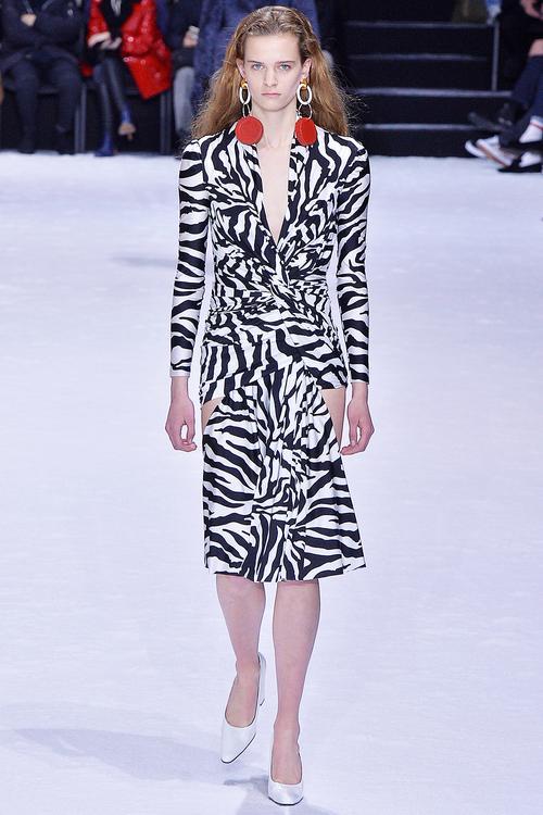 Victoria Beckham A/W 18 fashion trend