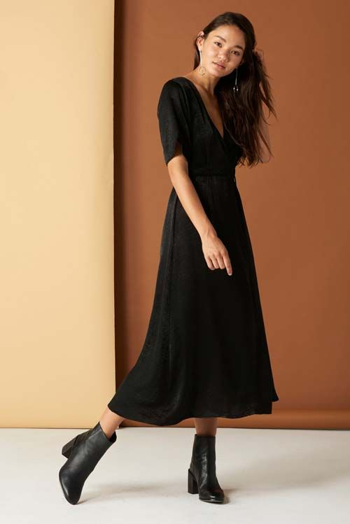 Black Wrap Dresses to Wear With Cowboy boots to a Wedding