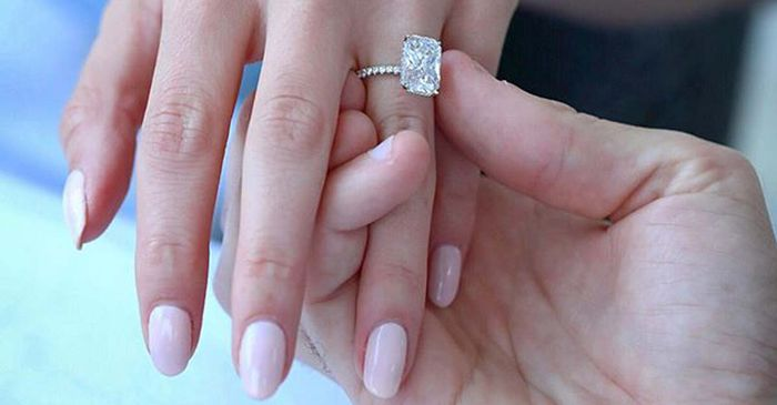 Classic Engagement Ring Styles To Consider Who What Wear